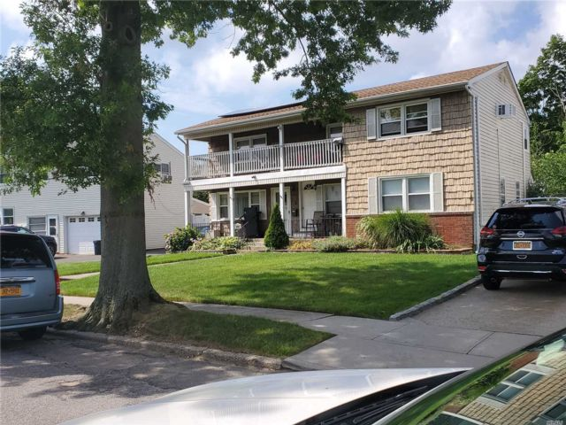 [Wantagh Real Estate, listing number 3152808]