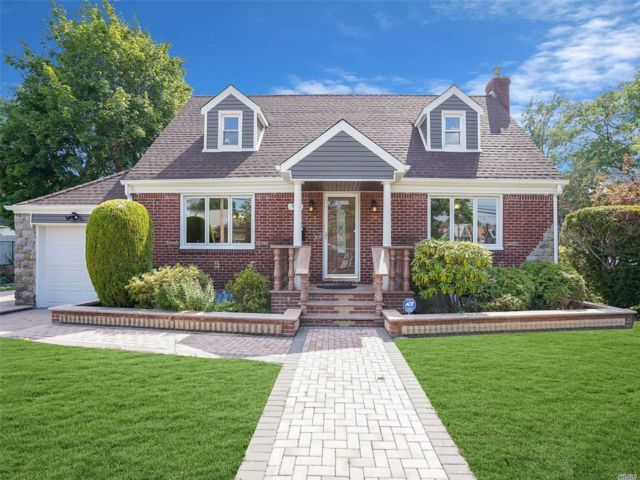 [Valley Stream Real Estate, listing number 3152887]