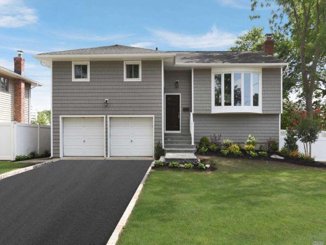 [Merrick Real Estate, listing number 3152904]