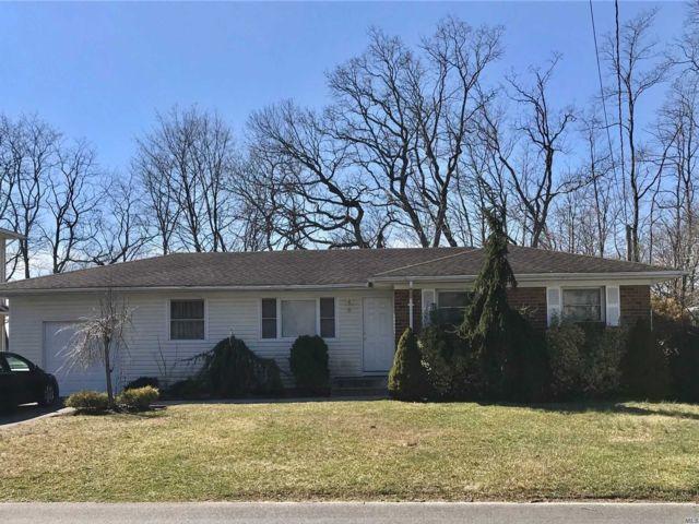 [Farmingdale Real Estate, listing number 3152964]
