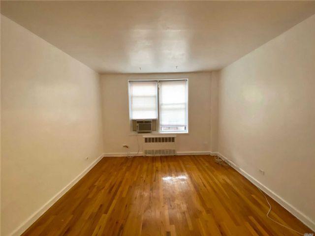 [Jackson Heights Real Estate, listing number 3153046]