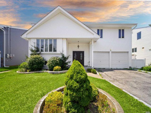 [Merrick Real Estate, listing number 3153088]
