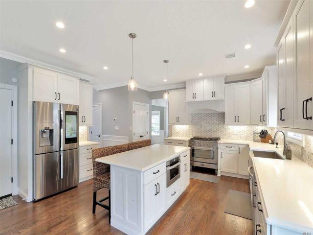 [Merrick Real Estate, listing number 3153122]