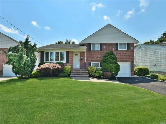 [East Meadow Real Estate, listing number 3153259]