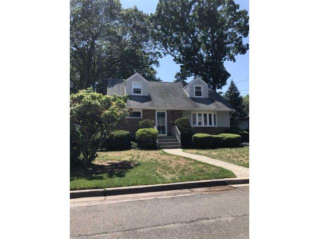 [Merrick Real Estate, listing number 3153302]