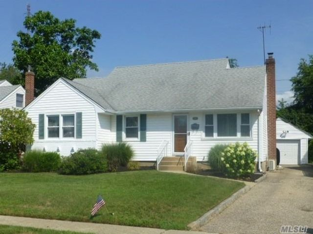 [Wantagh Real Estate, listing number 3153307]