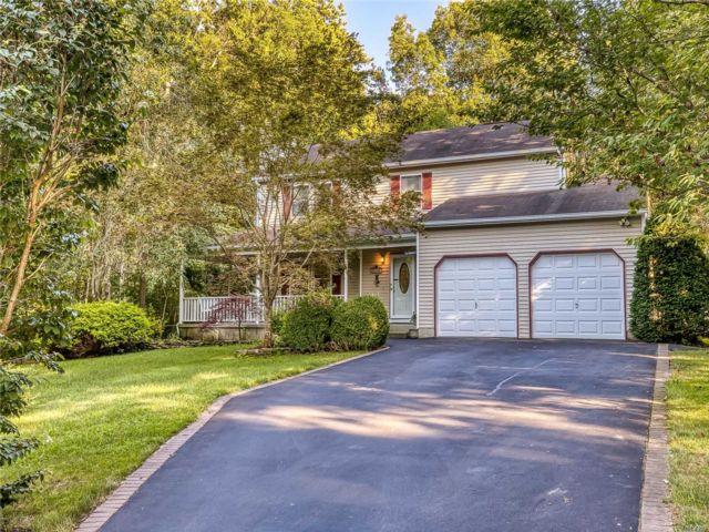 [Manorville Real Estate, listing number 3153448]
