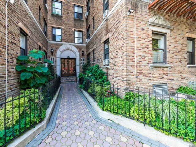 [Jackson Heights Real Estate, listing number 3153566]