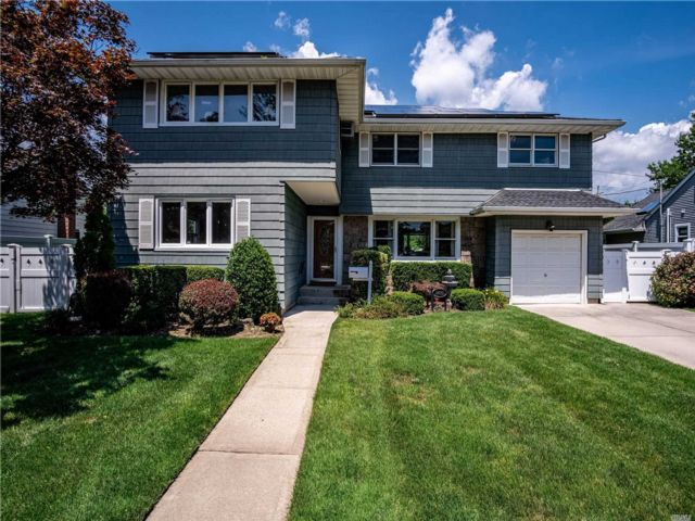 [Wantagh Real Estate, listing number 3153612]