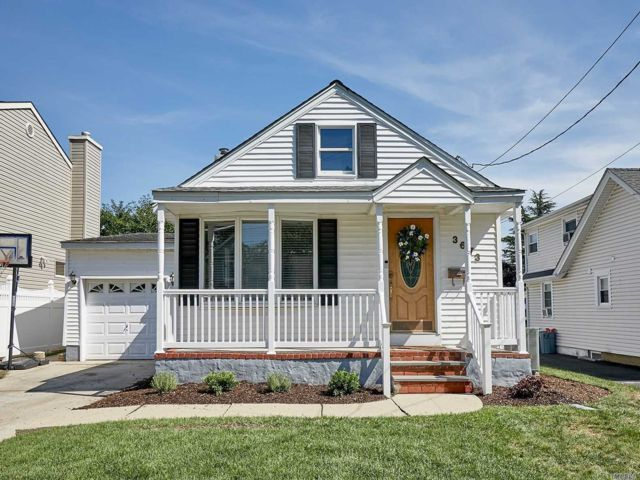 [Wantagh Real Estate, listing number 3153614]