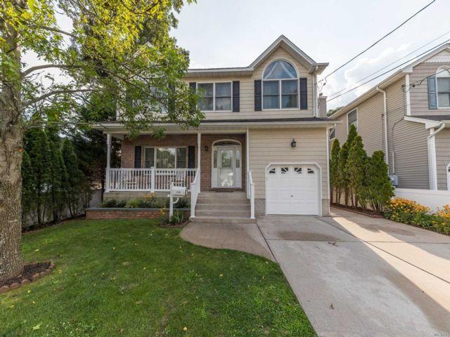 [Merrick Real Estate, listing number 3153657]