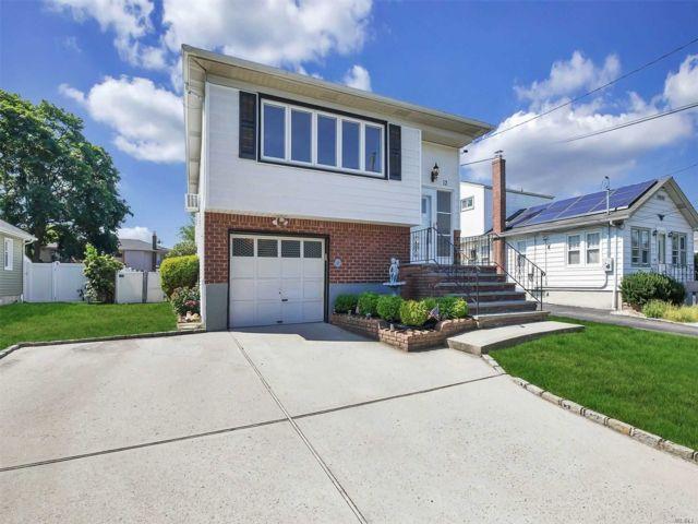 [Farmingdale Real Estate, listing number 3153703]