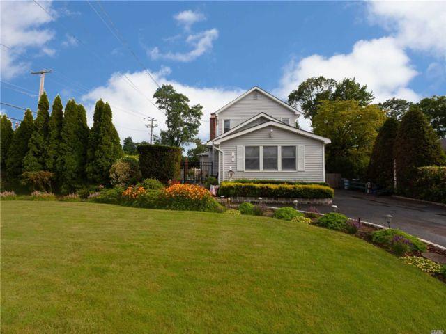 [Farmingdale Real Estate, listing number 3153706]
