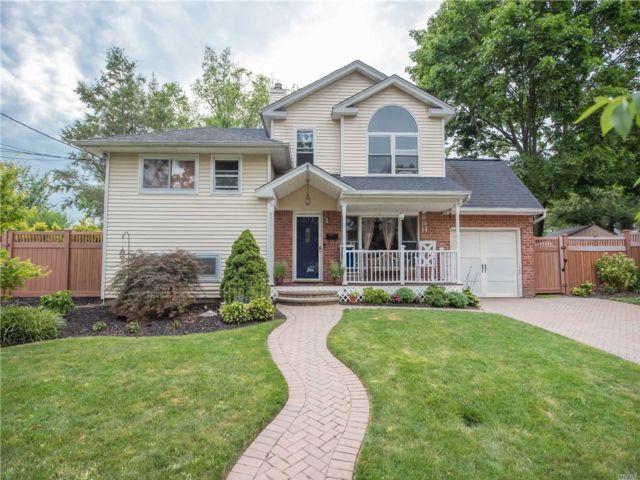 [Commack Real Estate, listing number 3153990]