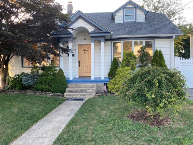 [Farmingdale Real Estate, listing number 3154093]