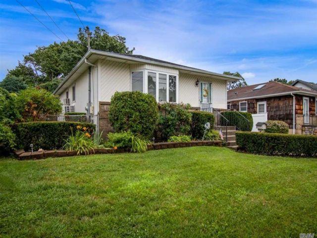 [Farmingdale Real Estate, listing number 3154106]