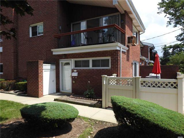 [Farmingdale Real Estate, listing number 3154174]
