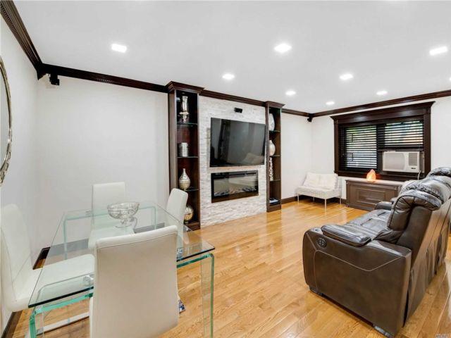 [Jackson Heights Real Estate, listing number 3154224]