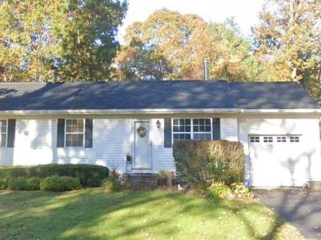 [Manorville Real Estate, listing number 3154283]