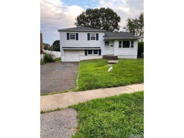 [Farmingdale Real Estate, listing number 3154295]
