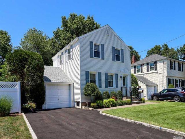 [Merrick Real Estate, listing number 3154352]