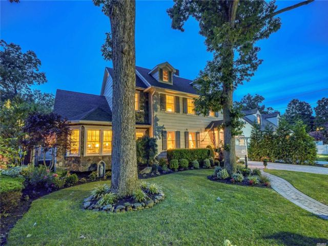 [Wantagh Real Estate, listing number 3154361]