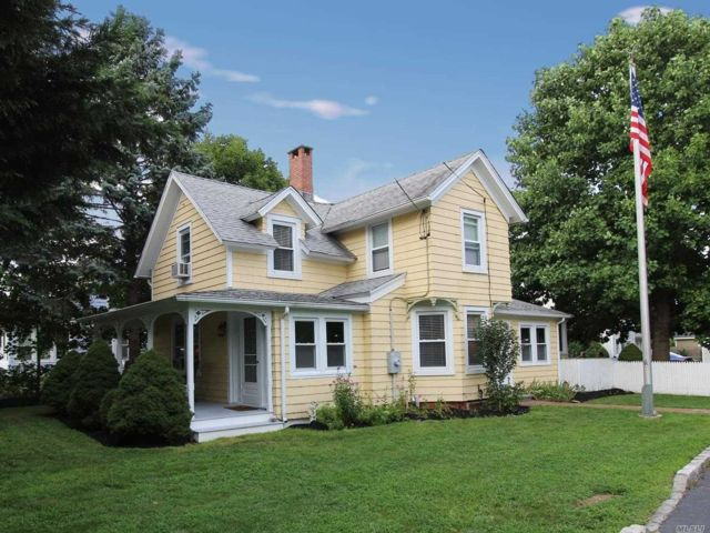 [Center Moriches Real Estate, listing number 3154532]