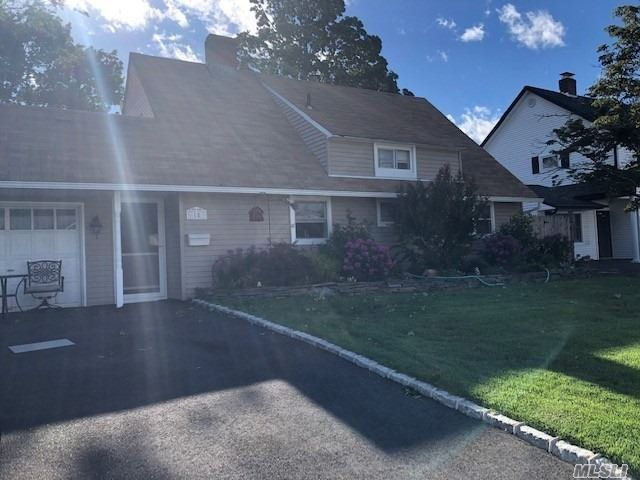 [Wantagh Real Estate, listing number 3154539]