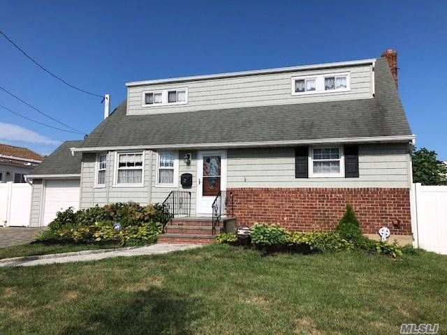 [Farmingdale Real Estate, listing number 3154541]