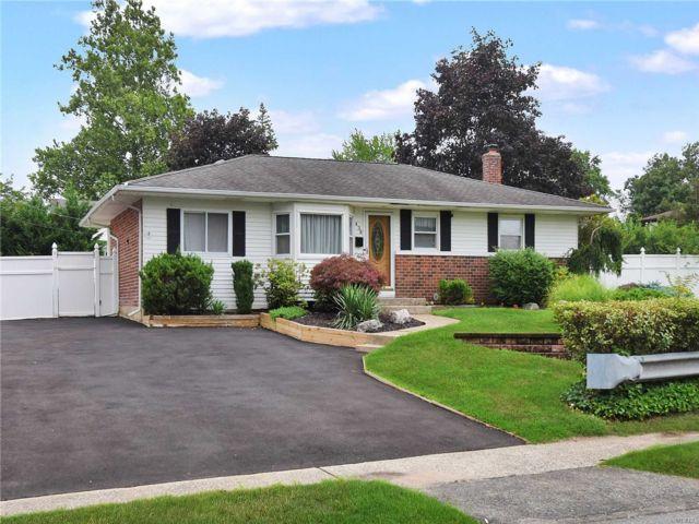 [Commack Real Estate, listing number 3154586]