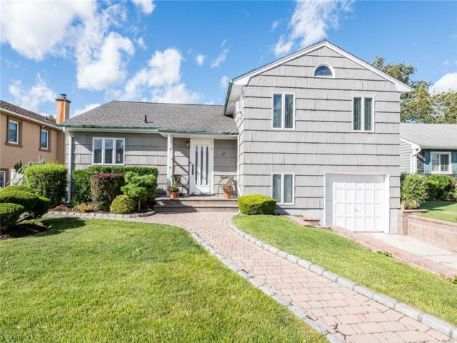 [Valley Stream Real Estate, listing number 3154706]