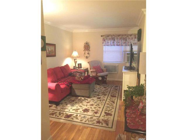 [Farmingdale Real Estate, listing number 3154999]