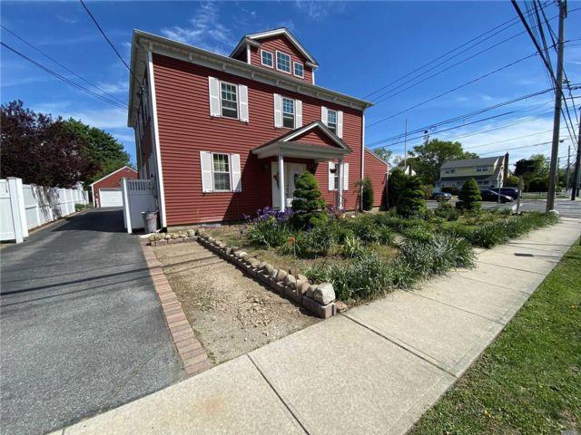 [Farmingdale Real Estate, listing number 3155228]