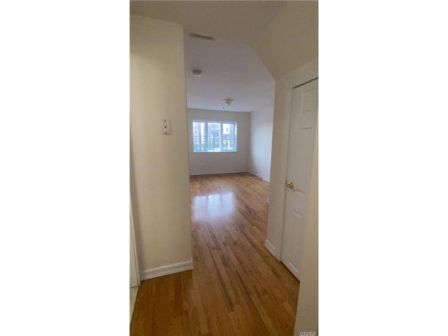 [Jackson Heights Real Estate, listing number 3155624]