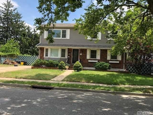 [Farmingdale Real Estate, listing number 3155728]