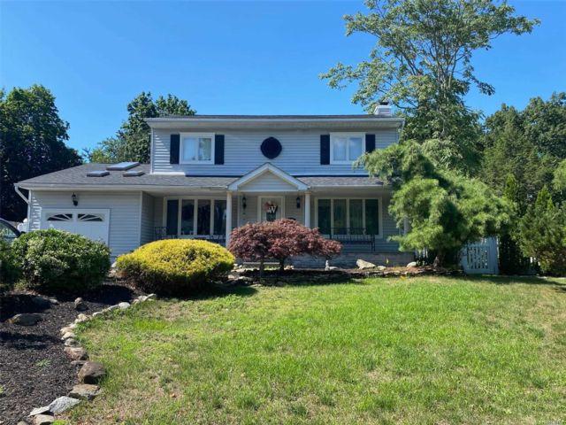 [Commack Real Estate, listing number 3156104]