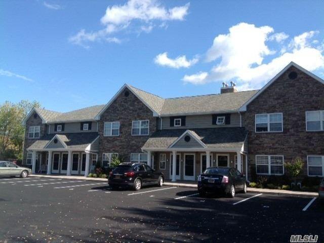 [Farmingdale Real Estate, listing number 3156277]