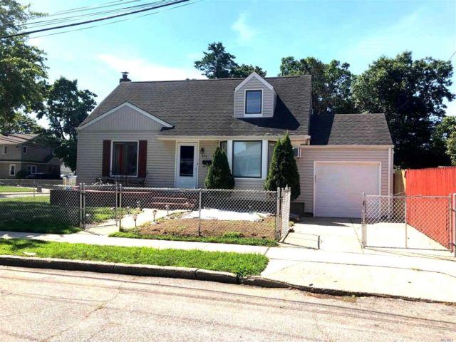 [Merrick Real Estate, listing number 3156652]