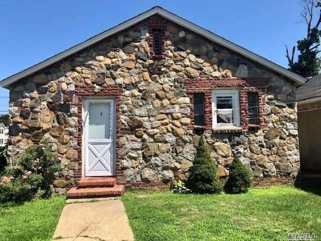 [Farmingdale Real Estate, listing number 3156727]