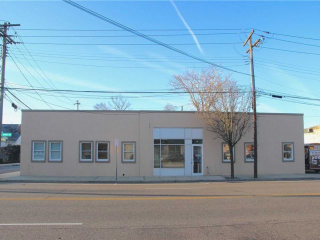 Studio,  0.00 BTH Commercial style home in Valley Stream