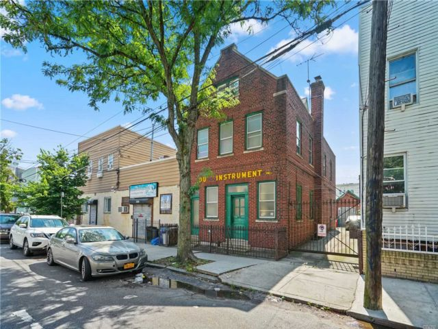 Studio,  0.00 BTH  Commercial style home in Ridgewood