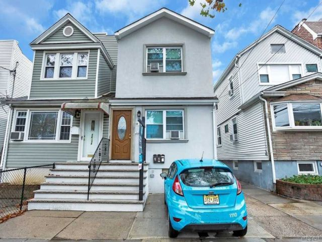 4 BR,  3.00 BTH 2 story style home in Kew Gardens