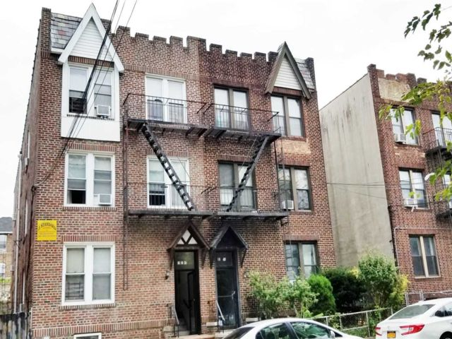 11 BR,  6.00 BTH Other style home in College Point
