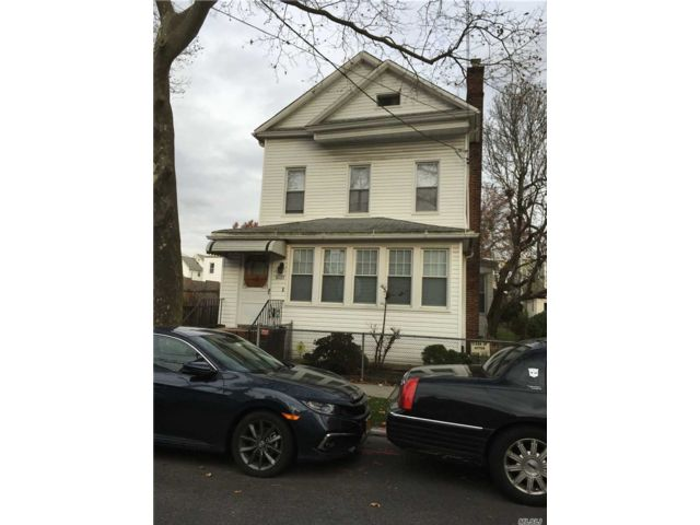 4 BR,  2.00 BTH 2 story style home in Woodhaven