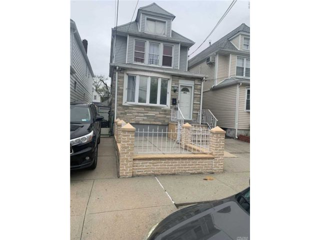 5 BR,  3.00 BTH Colonial style home in South Ozone Park