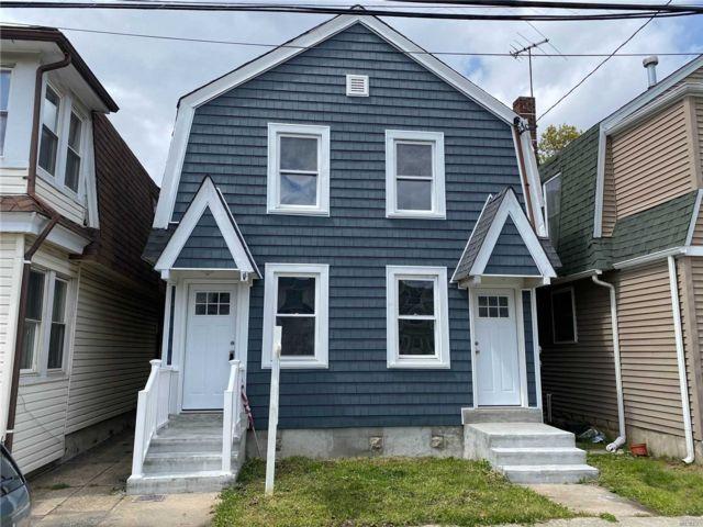 4 BR,  2.00 BTH Duplex style home in Cedarhurst