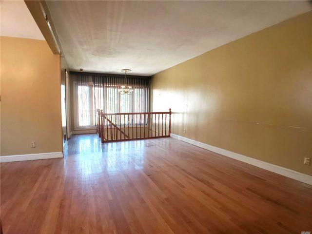 [Rosedale Real Estate, listing number 3158947]