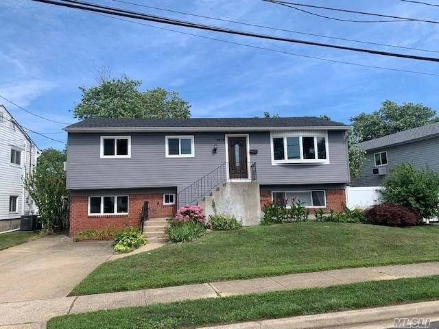 [Wantagh Real Estate, listing number 3159206]