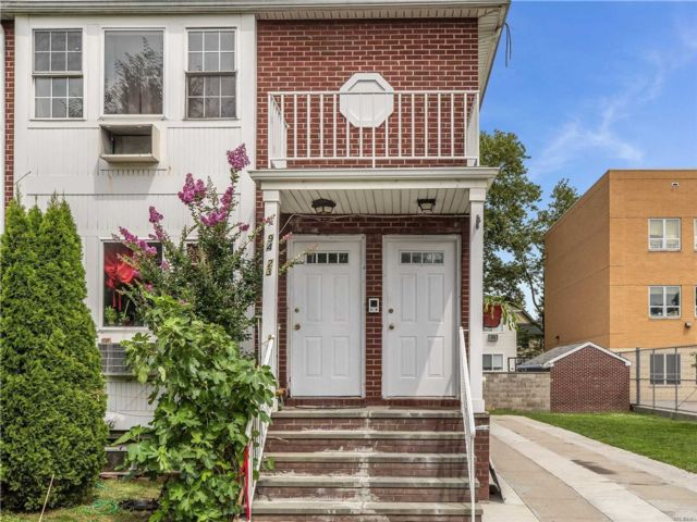 6 BR,  4.00 BTH 2 story style home in Woodhaven