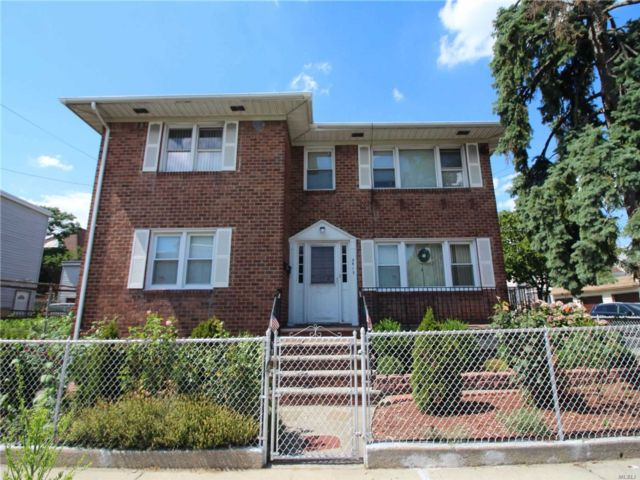 6 BR,  3.00 BTH Hi ranch style home in Ozone Park